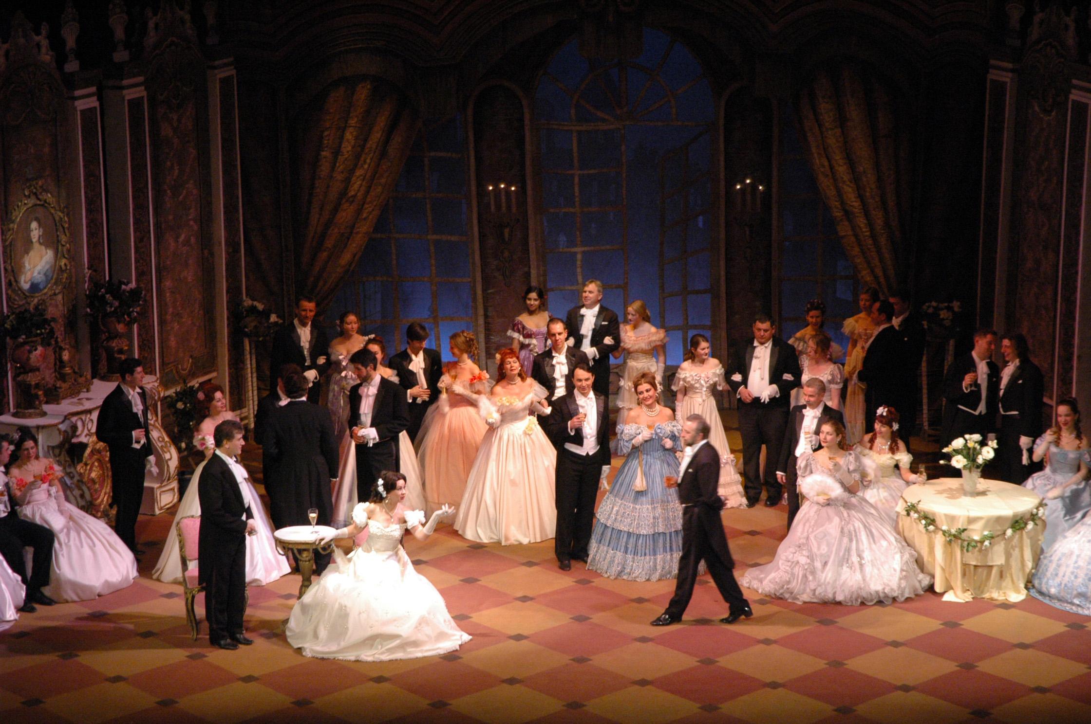 Губернатор поручил сделать комиссию поисправлению ситуации вкрасноярском оперном