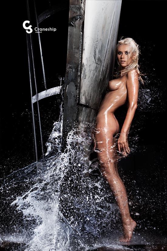 Julia Assange в раздетом виде (25 фото)