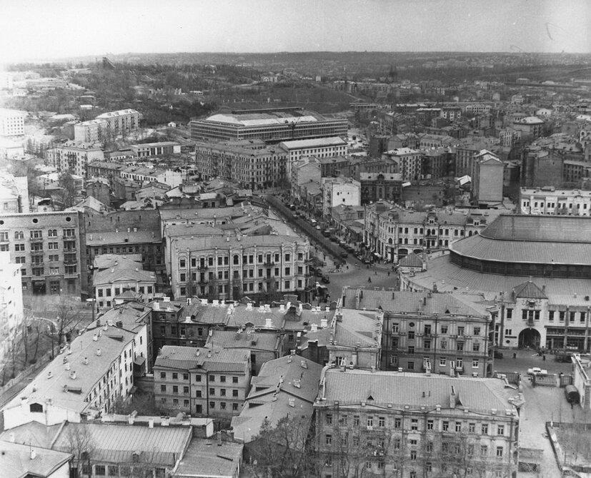 1960.04. Панорама улицы Бассейной со стороны улицы Круглоуниверситетской. Фото: Примаченко А.