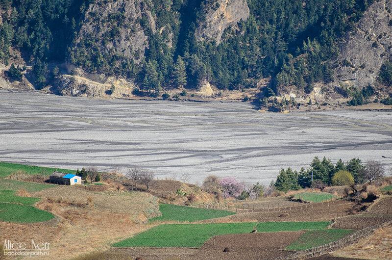 вид на долину реки Калигандаки, кобанг, тукуче, непал, гималаи