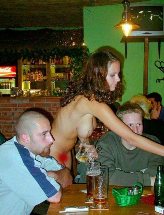 Блядь официантка