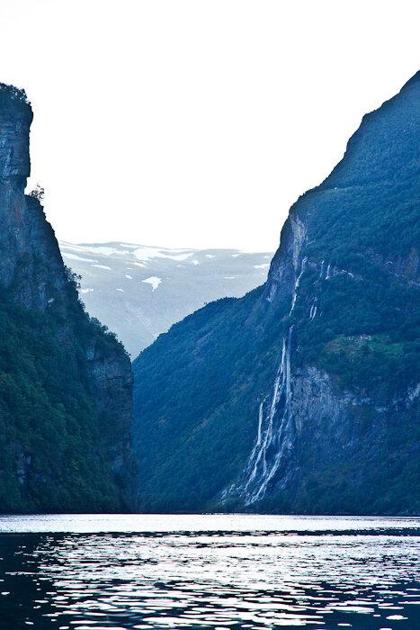 Фотографии водопада Семь сестер в Норвегии