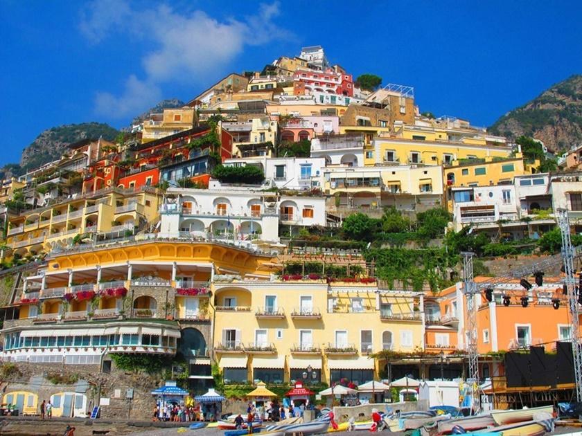 Фотографии 15 самых красочных маленьких городов мира 0 142489 30bbd59c orig