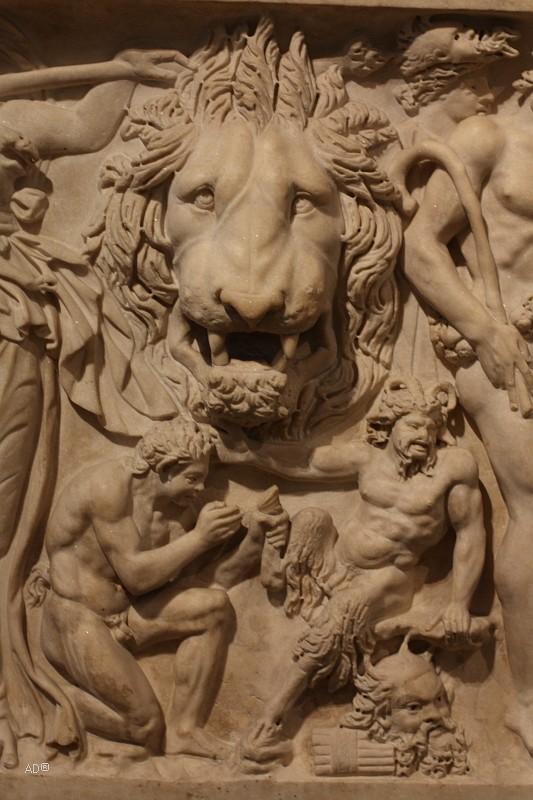 Саркофаг-ленос с дионисийскими сценами, мрамор, ок. 210 г. н. э.