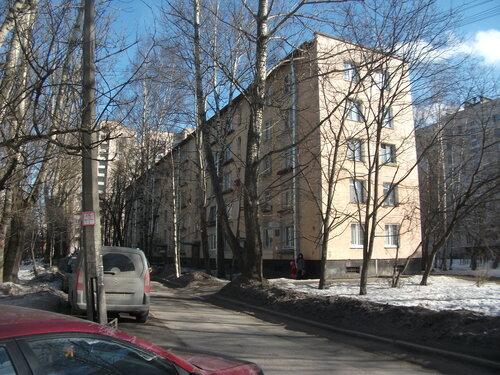 ул. Лени Голикова 51