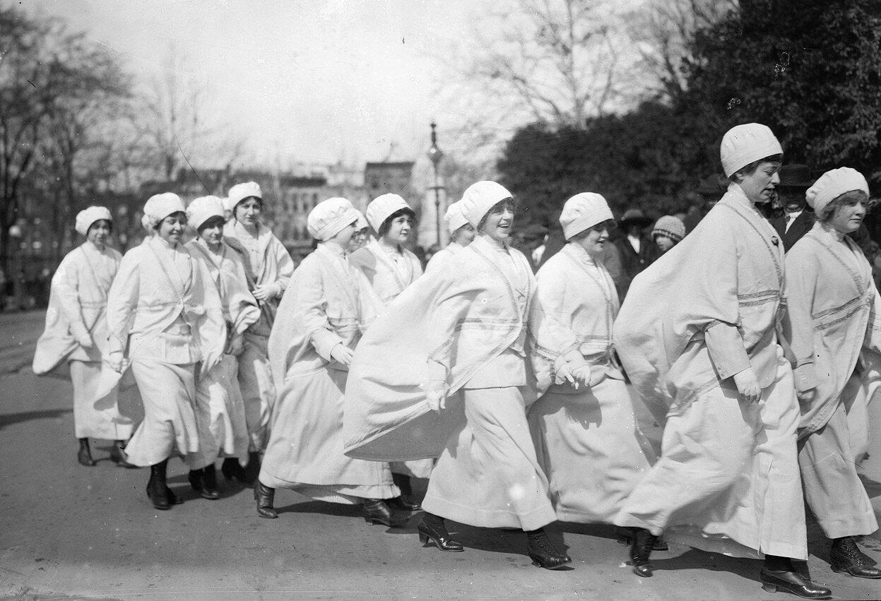 Участницы парада, 3 марта 1913 года