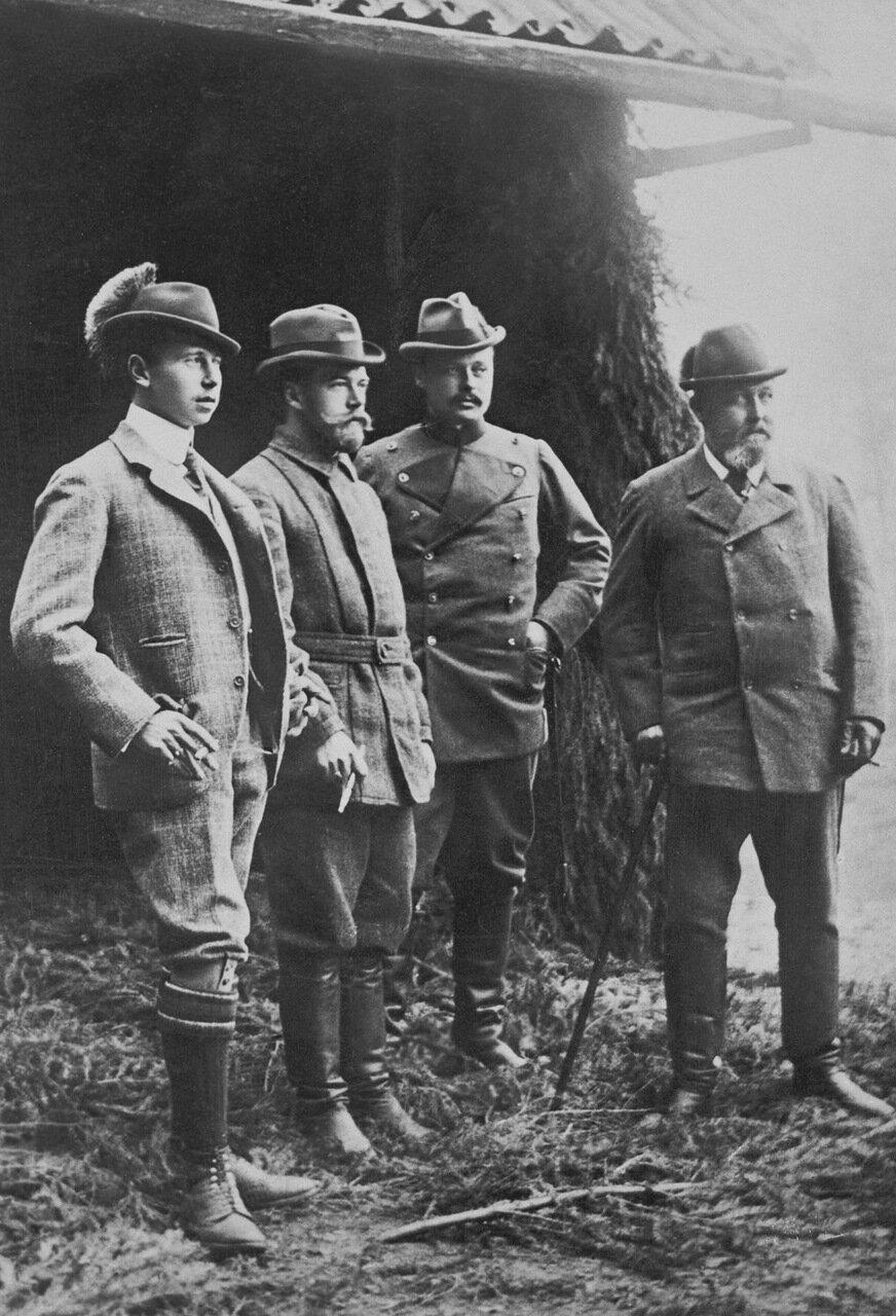 Принц Альфред Саксен-Кобург-Готский, Николай II, Эрнст Людвиг Гессенский, Альфред, герцога Эдинбургский. Кобург, октябрь 1897 г.