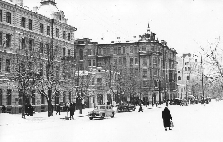 1957. Угол улиц Владимирской и Большой Житомирской