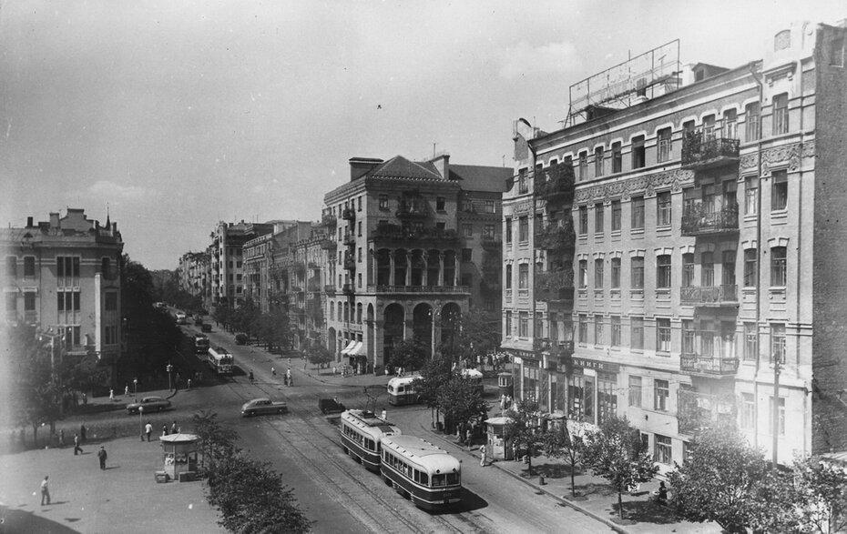 1957. Угол улиц Красноармейской и Саксаганского. Фото: Миндель Б.