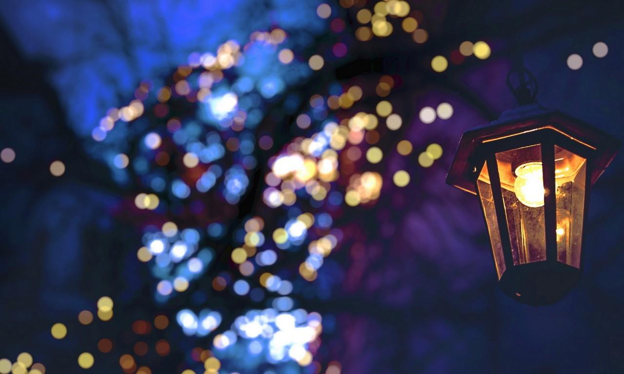 christmas-fairy-lights-bokeh.jpg