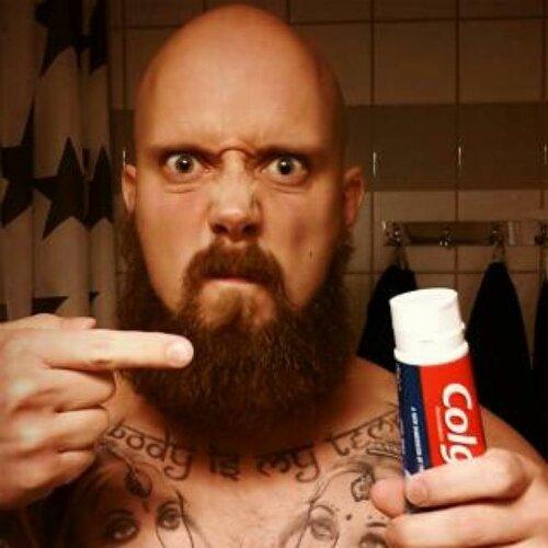 Как чистят зубы настоящие викинги