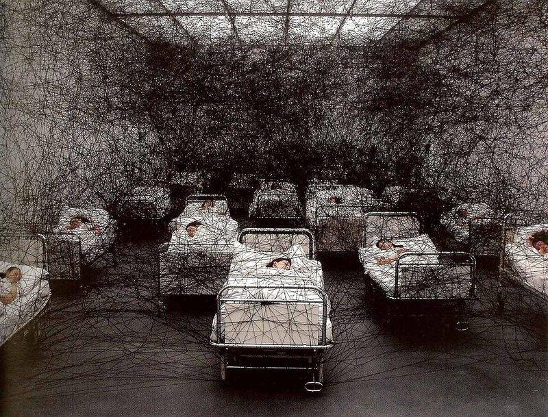 Впечатляющие инсталляции Чихару Сиоты
