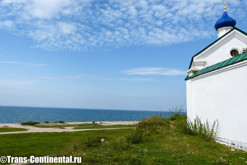 посольский монастырь на берегу Байкала