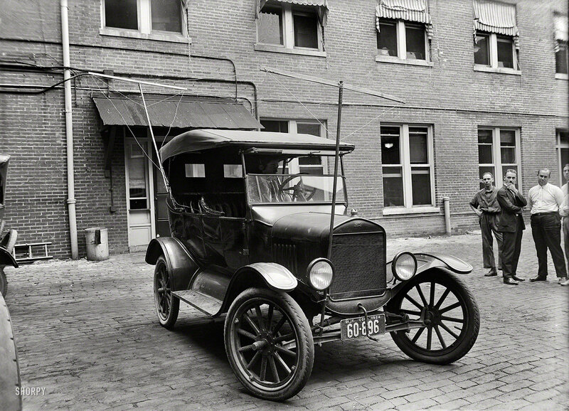 1924. Washington, D.C. Auto equipped with radio (made for Potomac Electric Power Co.)