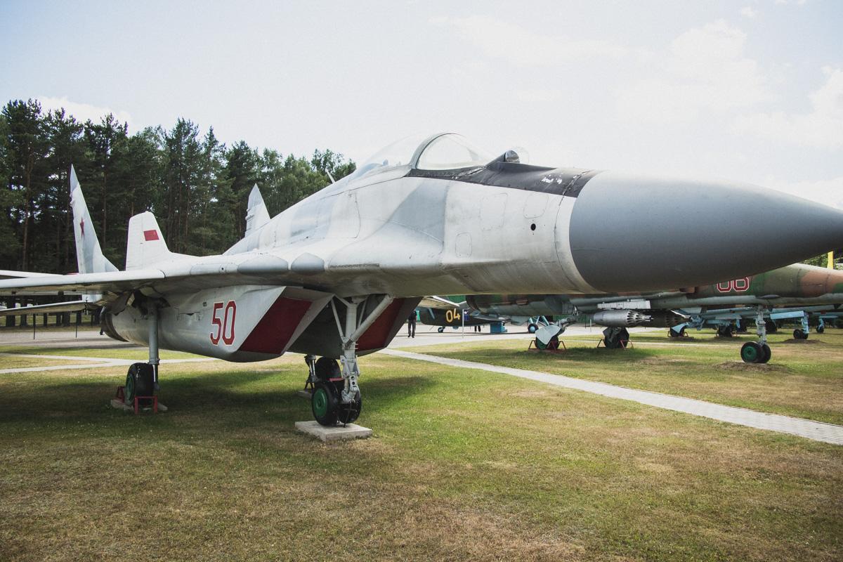 МиГ-29 — один из лучших в своем классе реактивный истребитель четвертого поколения. Первый полет про