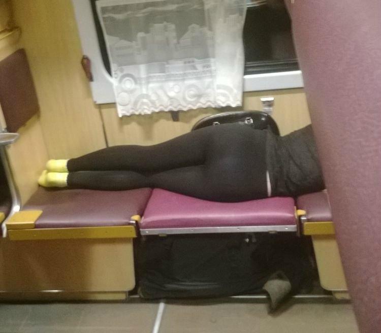 Тем временем в поездах