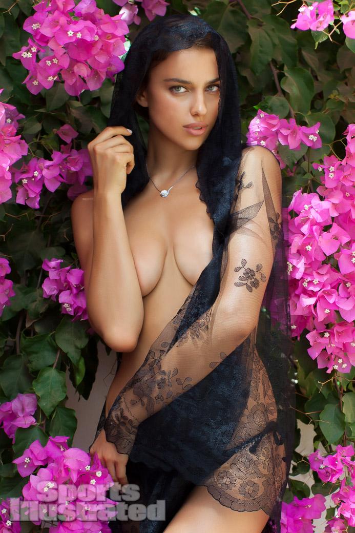 Irina Shayk / Ирина Шейк в купальниках в каталоге Sports Illustrated Swimsuit 2013 / фотограф Alex Cayley