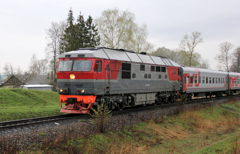 ТЭП70-0244 с поездом Питер - Смоленск на перегоне Ржев-белорусский - Мелихово