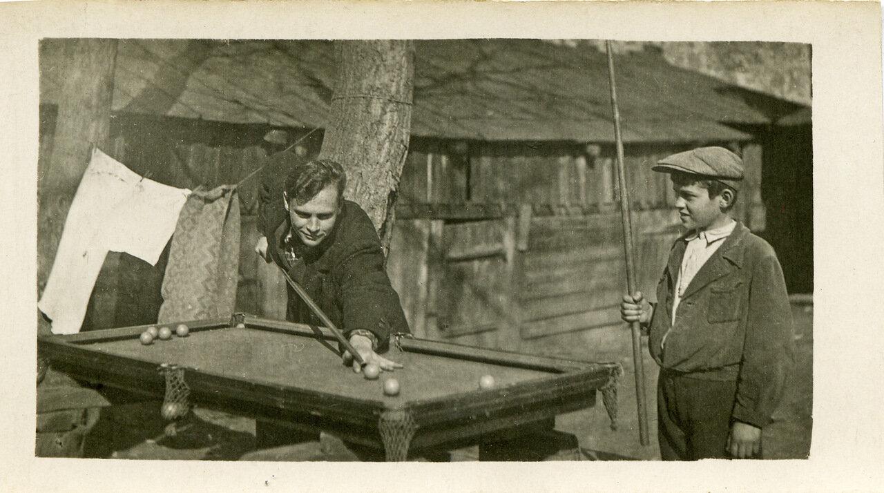 1940. Двор дома №6 по Дорогомиловскому валу
