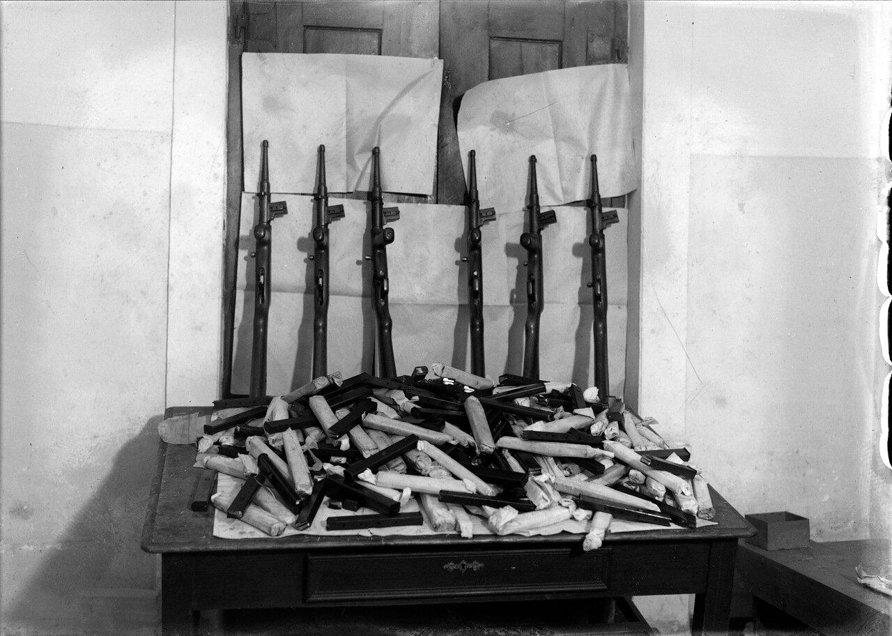 Конфискованное оружие бунтовщиков