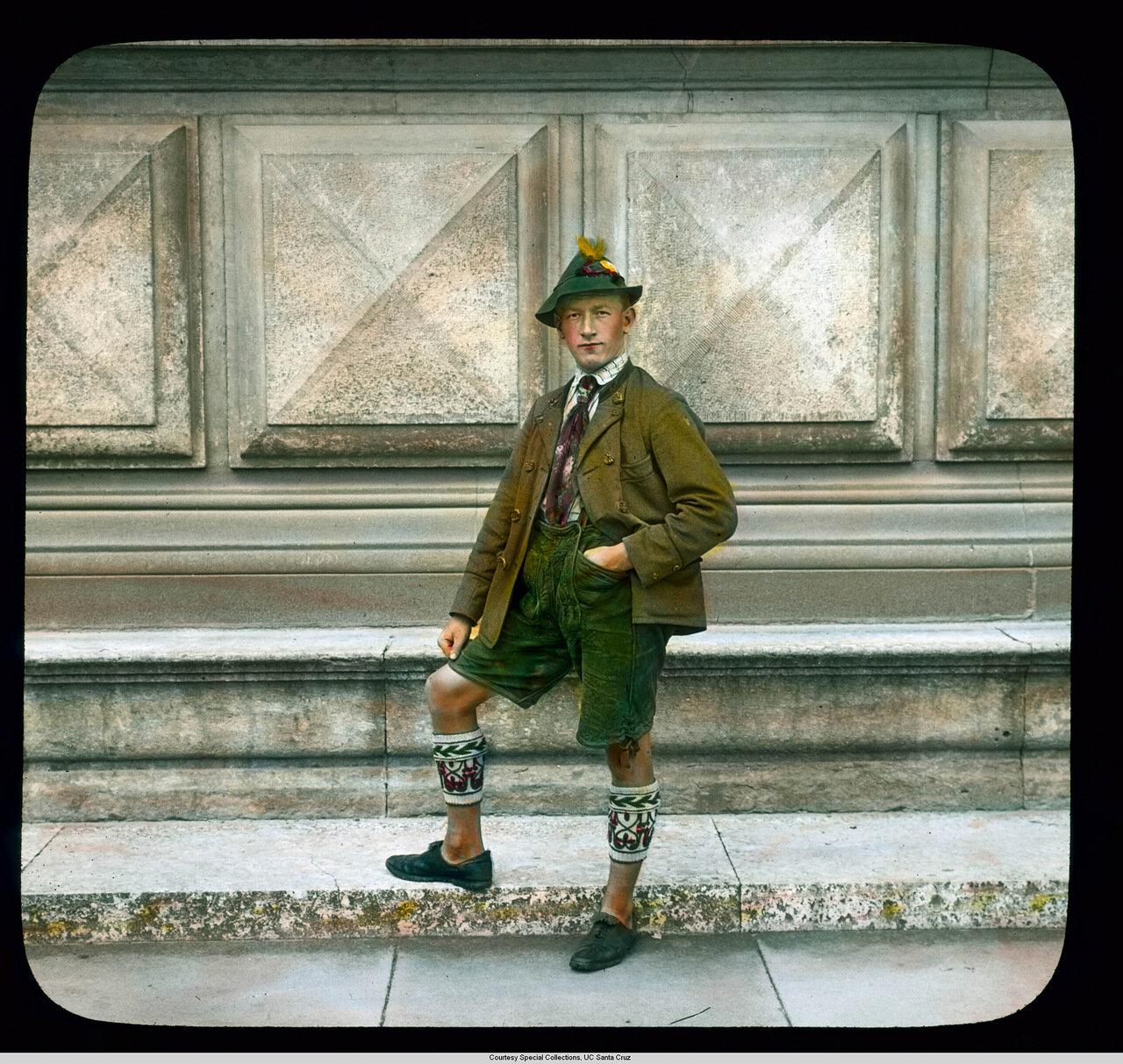 Бавария. Мужчина в традиционном баварском костюме
