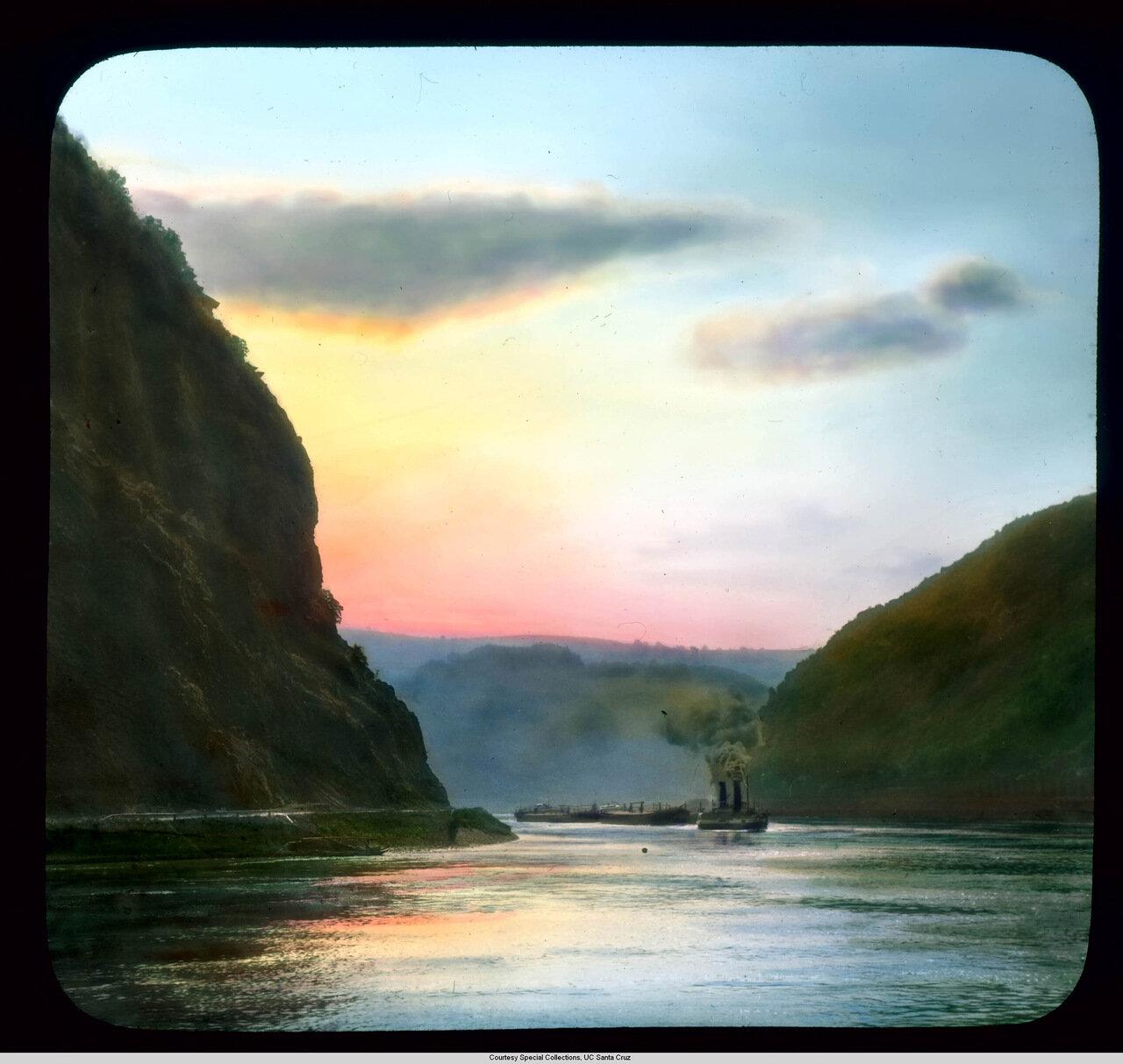 Рейнская долина. Скала Лорелей на закате