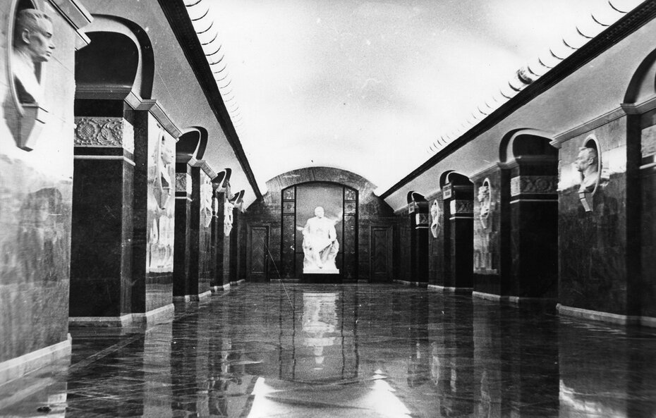 1960.11.04-05. Внутренний вид станции метро Университет. Фото: Мельник М.А.