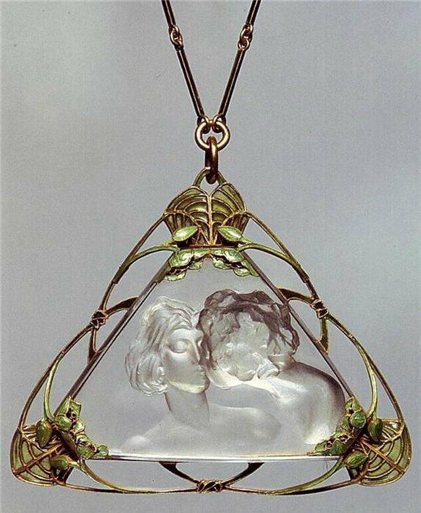 Покупая ювелирные украшения, будь-то цепочка, кольцо, кулон или брошь, вы делаете правильный выбор