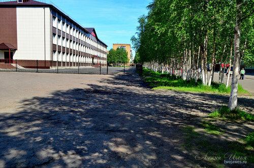 Фото города Инта №7709  Юго-западный угол Горького 8 (школа №9) 21.06.2015_12:46