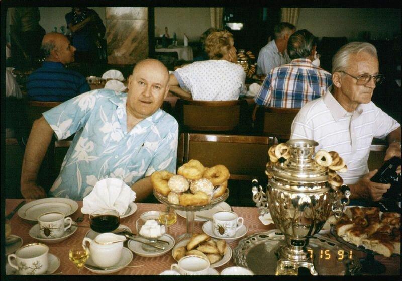 195. Русское чаепитие