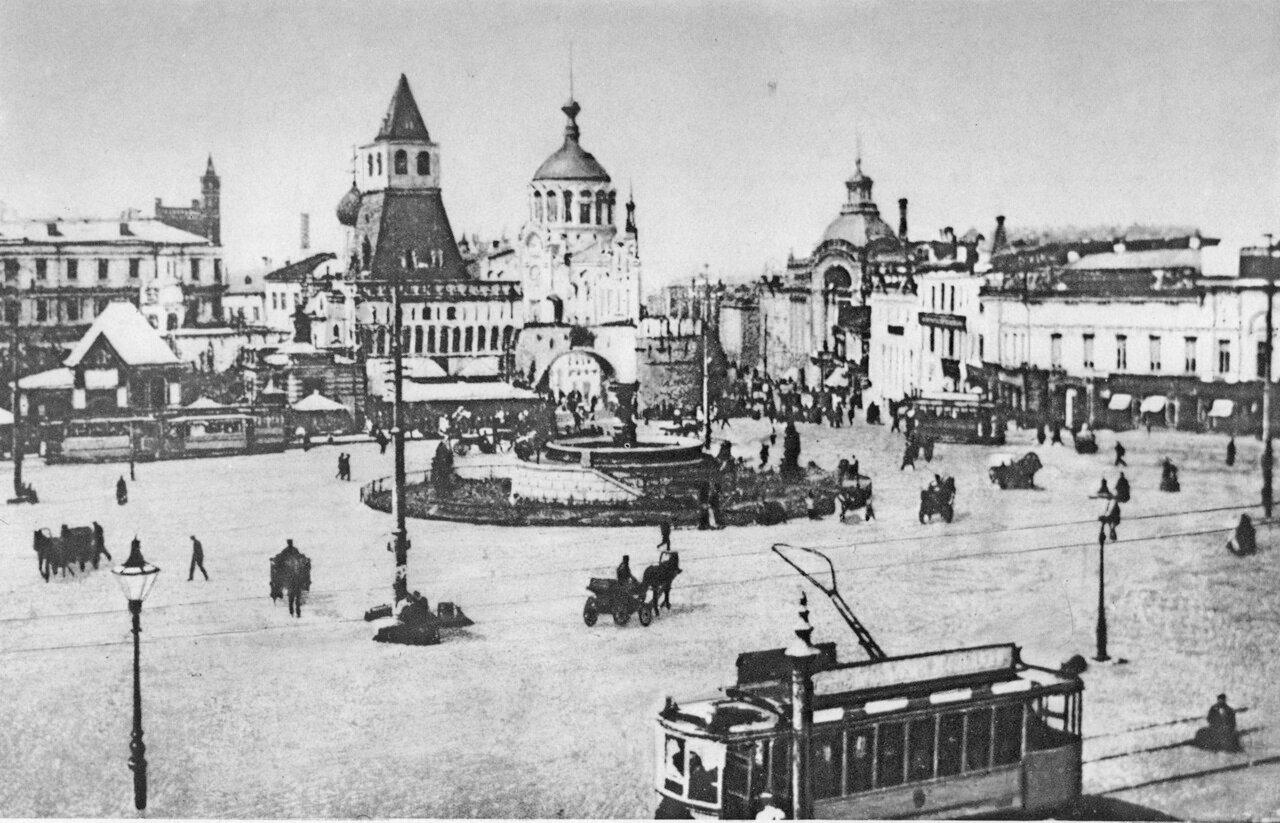 7. Лубянская площадь (ныне площадь Дзержинского).