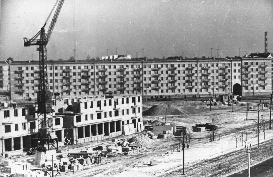 1960.02. Строительство дома №4 по проспекту Воссоединения