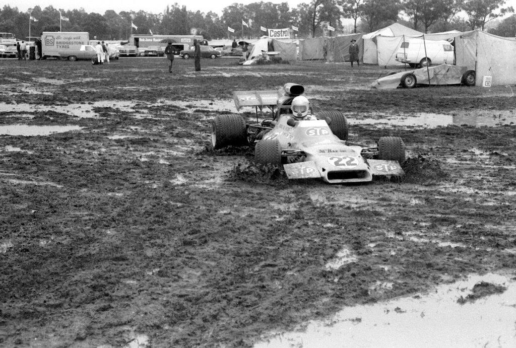 1973-TASMAN-WARWICK-FARM-WET-PITS-7-GRAEME-McRAE.jpg