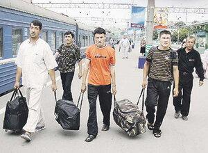 В Москве мигранты будут получать зарплату, как россияне