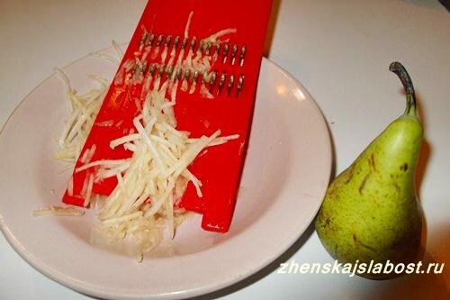 хрустящий салат из сырой свеклы