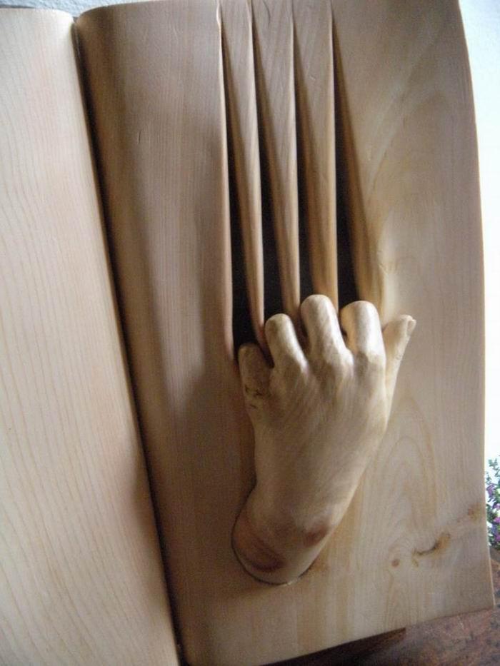 Деревянная скульптура Нино Орланди / N5a8ino Orlandi