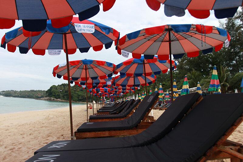 Отели на пляже Сурин. Surin Beach Phuket Thailand