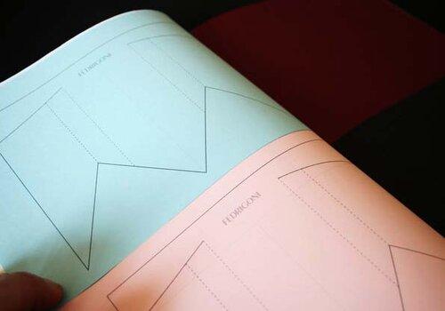 Декоративная бумажная мужская одежда