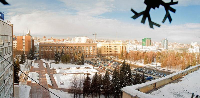 январь 2013 Челябинск. Театральная площадь. Вид с Пл. Революции 7