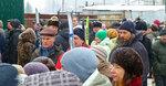 Сход жителей Солнцево против закрытия прохода в лес