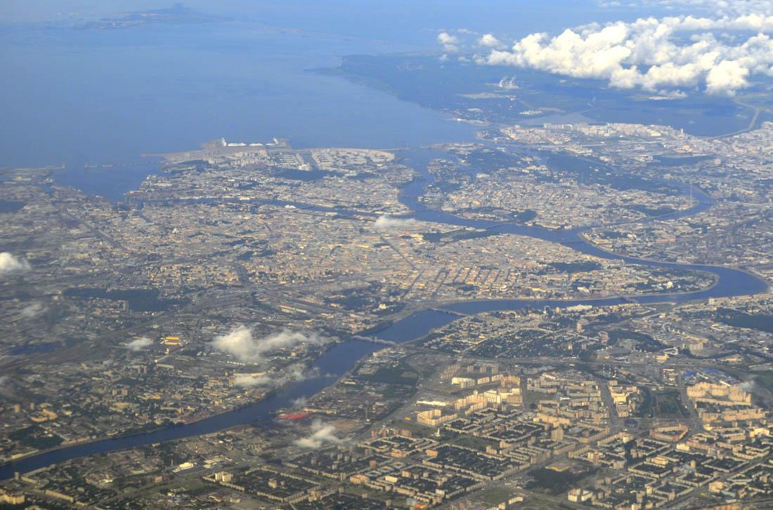 Петербург (центр) с самолета 1100.jpg