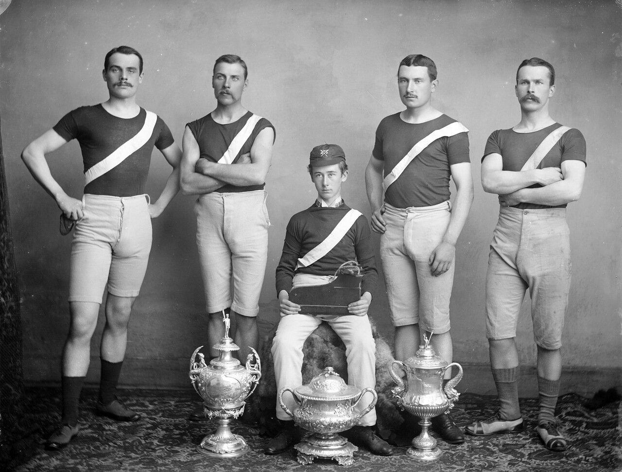 Победа гребцов в лодочном клубе Уотерфорд 1887.