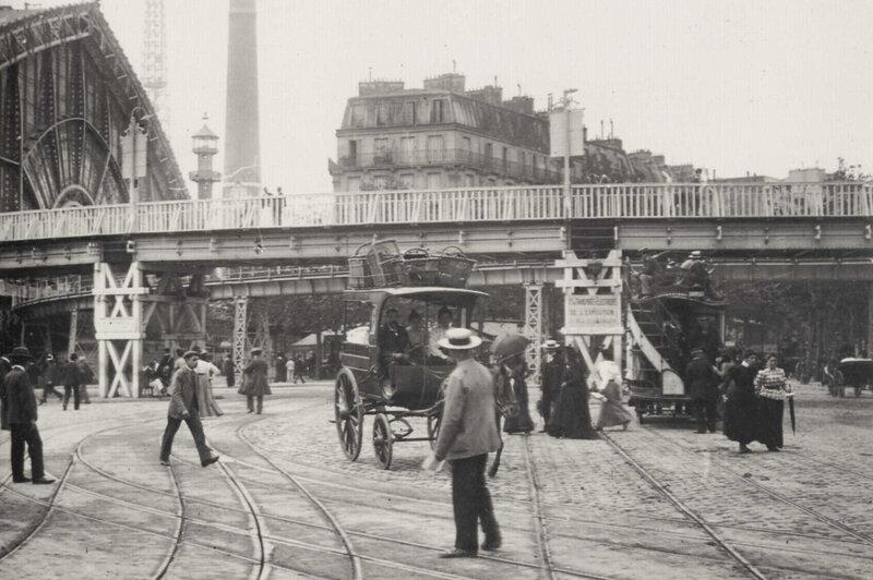 Электропоезд отправился за 20 минут провезет пассажиров по всей территории Выставки