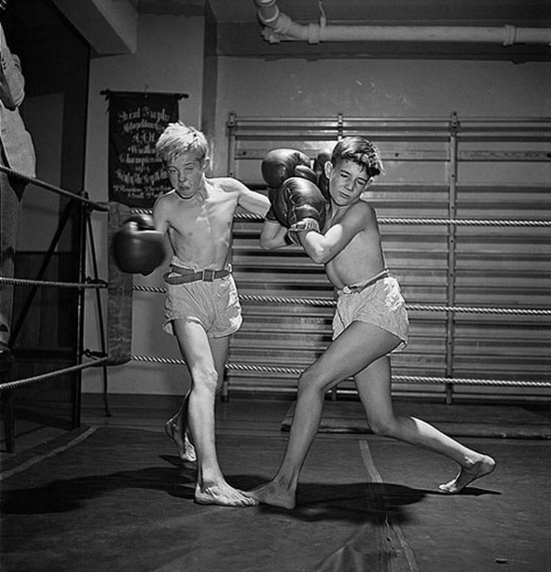 1946. Занятия по боксу в Полицейской атлетической лиге