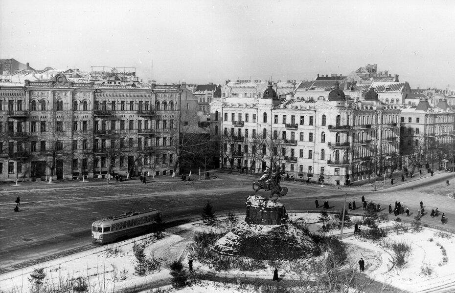 1957.01.17. Панорама площади Богдана Хмельницкого (сейчас Софийская площадь)