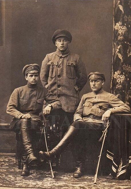 Soldiers of the Russian Provisional Government, 1917.