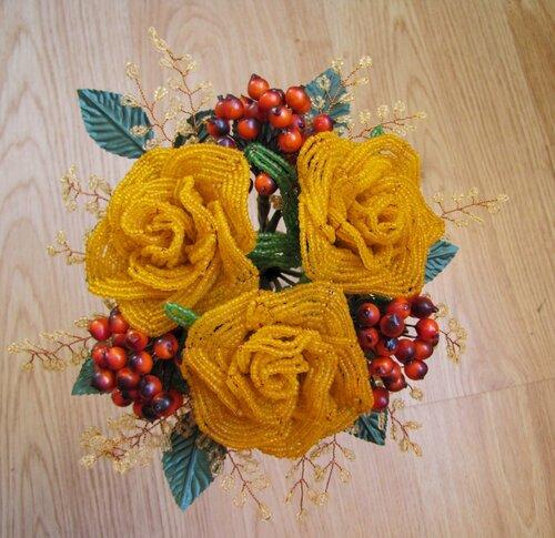 Посмотреть ролик - Смотреть: Розы из бисера Рыжая весна Мастер класс роза из бисера мастер класс.