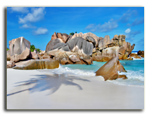 Сейшелы. Amazing Seychelles with unique granite rocks. Фото Maugli - Depositphotos