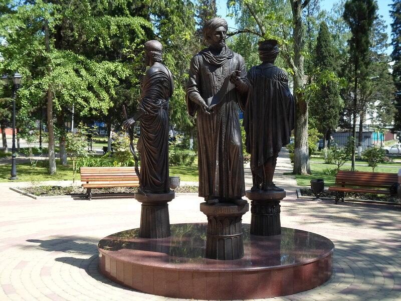 Памятник с сердцем Туапсе Мраморные розы Малоархангельск