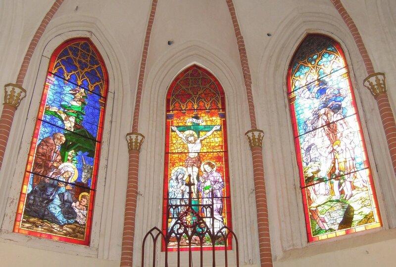 Лиелстраупская церковь. Витражи